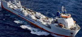 23571-special-feature-dockwise-685-yacht-express-1.-yacht-express-bow